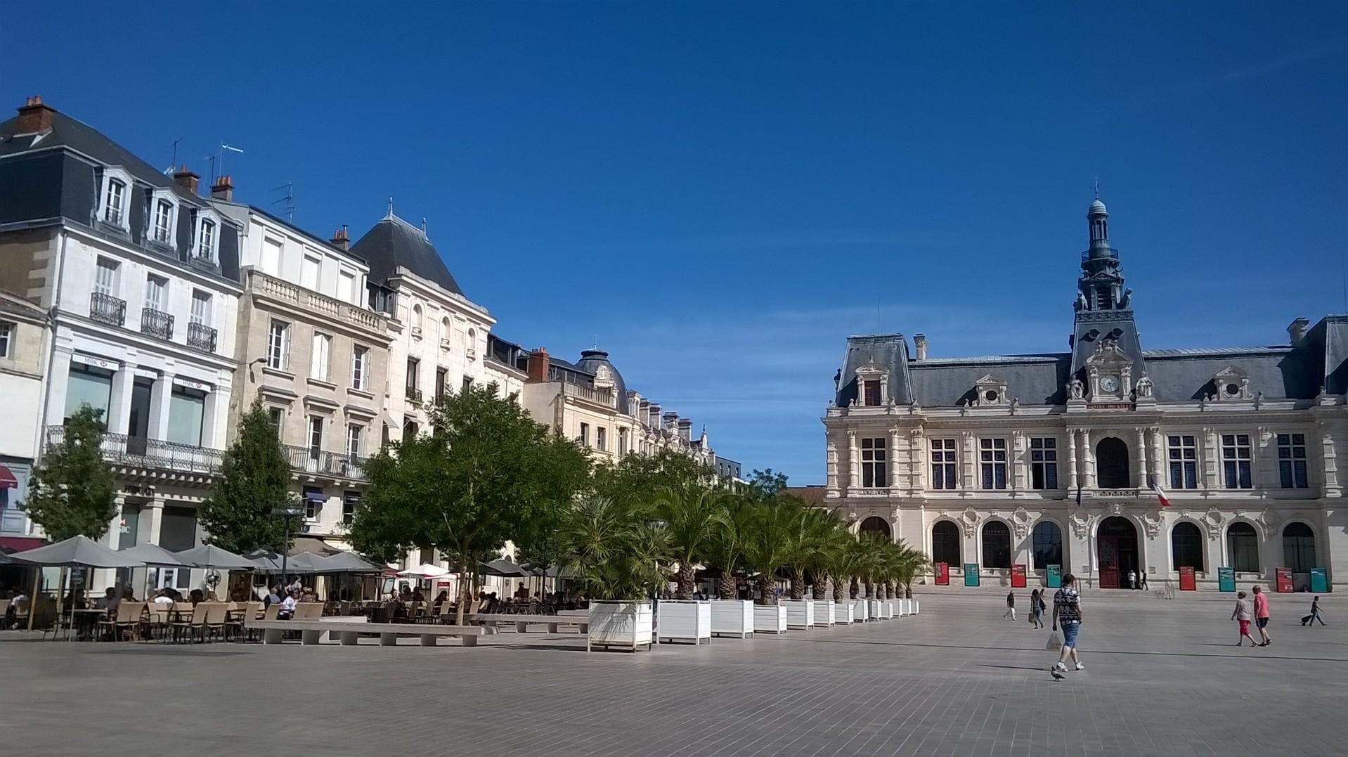 Elegant Poitiers